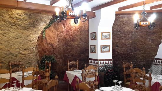 restaurante dominguez en Setenil de las Bodegas
